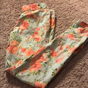 Flower jeans good for spring to wear